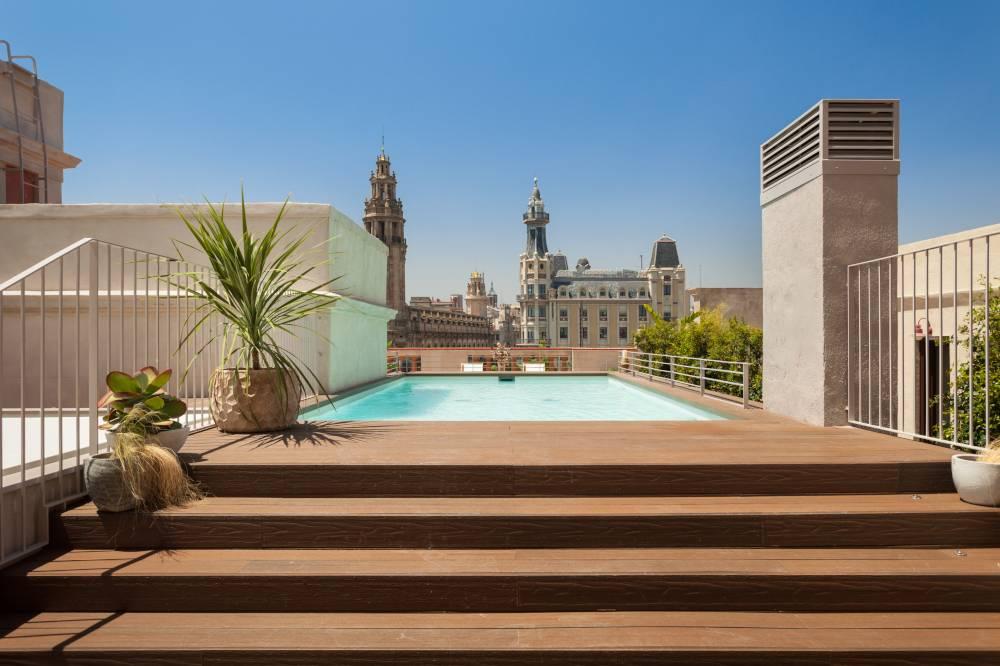 apartamentos corporativos piscina